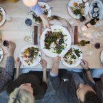 Šokantno: porodica ruča u isto vrijeme već 10 godina