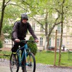 NEVJEROVATNO: Ministar u Vladi Srpske došao na posao biciklom!