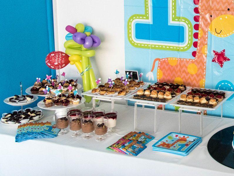 sve za prvi rođendan Proslavili djetetov prvi rođendan u krugu familije, naišli na  sve za prvi rođendan