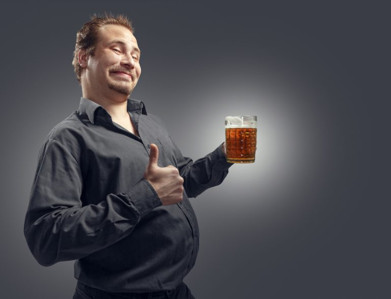 Žene na sajtu za upoznavanje priznale: Muškarci sa pivskim